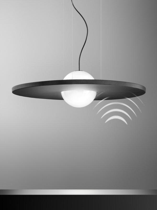 OLEV_IRVING_SILENCE (1)_onde_suono_lampada_fonoassorbente_design_vetro_metallo_suono_assorbe_sospensione