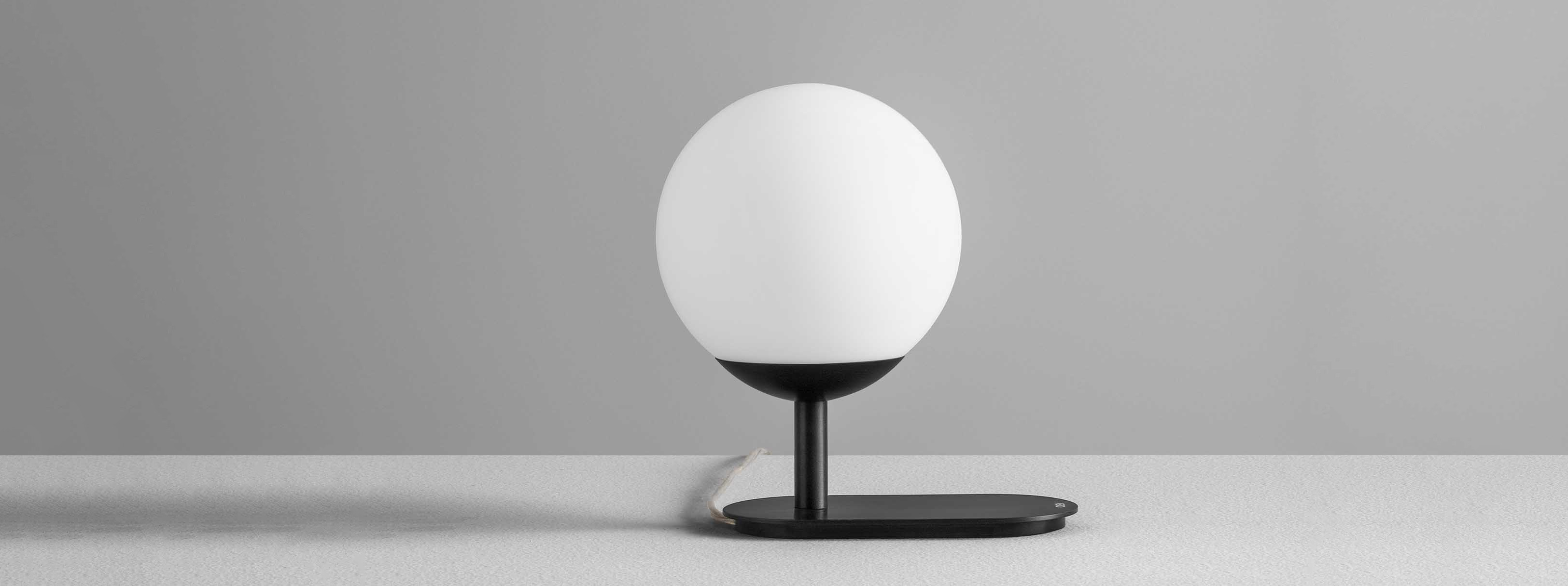 LA_PALLINA (3)_cover_olev_lamp_led_tavolo_table